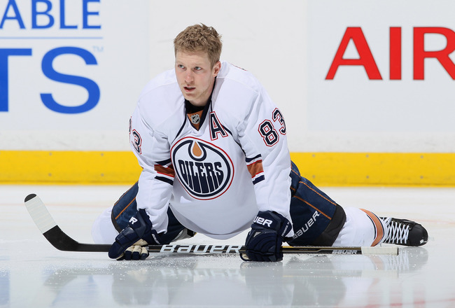 ANAHEIM, CA - NOVEMBER 21:  Ales Hemsky #83 of the Edmonton Oilers stretches prior to the start of the game against the Anaheim Ducks at the Honda Center on November 21, 2010 in Anaheim, California.  (Photo by Jeff Gross/Getty Images)