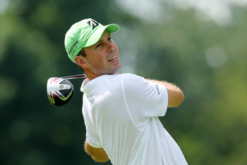AKRON, OH - AUGUST 05:  Matt Kuchar hits his tee shot on the third hole during the second round of the World Golf Championships-Bridgestone Invitational on the South Course at Firestone Country Club on August 5, 2011 in Akron, Ohio.  (Photo by Andy Lyons/