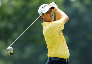 AKRON, OH - AUGUST 07:  David Toms hits his tee shot on the third hole during the final round of the World Golf Championships-Bridgestone Invitational on the South Course at Firestone Country Club on August 7, 2011 in Akron, Ohio.  (Photo by Andy Lyons/Ge