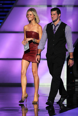 LOS ANGELES, CA - JULY 13:  (L-R) Actress Brooklyn Decker and NFL player Tim Tebow present Best Female Athlete at The 2011 ESPY Awards at Nokia Theatre L.A. Live on July 13, 2011 in Los Angeles, California.  (Photo by Kevin Winter/Getty Images)