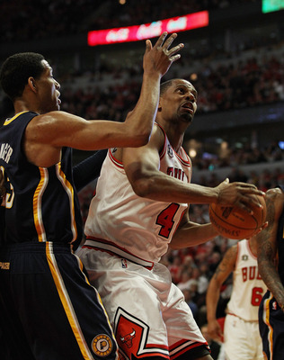 CHICAGO, IL - APRIL 18: Kurt Thomas #40 of the Chicago Bulls looks to shoot against Danny Granger #33 of the Indiana Pacers in Game Two of the Eastern Conference Quarterfinals in the 2011 NBA Playoffs at the United Center on April 18, 2011 in Chicago, Ill