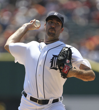 DETROIT - JULY 31: Justin Verlander #35 of the Detroit Tigers pitches in the first inning during the game against the Los Angeles Angels of Anaheim at Comerica Park on July 31, 2011 in Detroit, Michigan.  (Photo by Leon Halip/Getty Images)