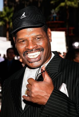 HOLLYWOOD - JULY 12:  Boxer Leon Spinks arrives at the 2006 ESPY Awards at the Kodak Theatre on July 12, 2006 in Hollywood, California.  (Photo by Vince Bucci/Getty Images)