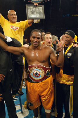 LAS VEGAS - APRIL 10:  American Lamon Brewster celebrates after defeating Ukranian Wladimir Klitschko in the WBO World Heavyweight Championship bout at Mandalay Bay Resort and Casino on April 10, 2004 in Las Vegas, Nevada. Referee Robert Byrd ended the fi
