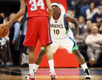 MINNEAPOLIS - OCTOBER 28: Jonny Flynn #10 of the Minnesota Timberwolves defends against Devin Harris #34 of the New Jersey Nets at the Target Center on October 28, 2009 in Minneapolis, Minnesota. The Timberwolves defeated the Nets 95-93. NOTE TO USER: Use