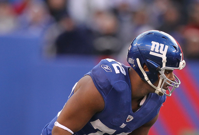 EAST RUTHERFORD, NJ - NOVEMBER 28:  Osi Umenyiora #72 of the New York Giants in action against the Jacksonville Jaguars during their game on November 28, 2010 at The New Meadowlands Stadium in East Rutherford, New Jersey.  (Photo by Al Bello/Getty Images)