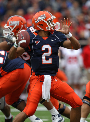 CHAMPAIGN, IL - OCTOBER 02: Nathan Scheelhaase #2 of the Illinois Fighting Illini passes the ball against the Ohio State Buckeyes at Memorial Stadium on October 2, 2010 in Champaign, Illinois. Ohio State defeated Illinois 24-13. (Photo by Jonathan Daniel/