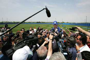 EAST RUTHERFORD, NJ - MAY 7:  New York Giants new head coach Tom Coughlin speaks to the media following mini camp on May 7, 2004 on the practice field at Giants Stadium in East Rutherford, New Jersey.  (Photo by Ezra Shaw/Getty Images)
