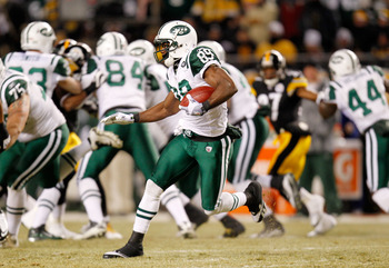 PITTSBURGH, PA - JANUARY 23:  Jerricho Cotchery #89 of the New York Jets runs down field during their 19 to 24 loss to the Pittsburgh Steelers in the 2011 AFC Championship game at Heinz Field on January 23, 2011 in Pittsburgh, Pennsylvania.  (Photo by Gre