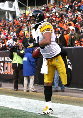 CLEVELAND, OH - JANUARY 02:  Wide receiver Hines Ward #86 of the Pittsburgh Steelers celebrates after scoring a touchdown against the Cleveland Browns at Cleveland Browns Stadium on January 2, 2011 in Cleveland, Ohio.  (Photo by Matt Sullivan/Getty Images