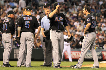 Ike Davis (2nd from the right) after his freak ankle injury on May 10th