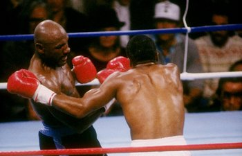 APRIL 1987:  Marvin Hagler (left) trades blows with his opponent Sugar Ray Leonard on April 6, 1987. Mandatory Credit: Mike Powell  /Allsport