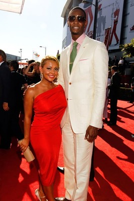 Chris-bosh-and-girlfriend_display_image