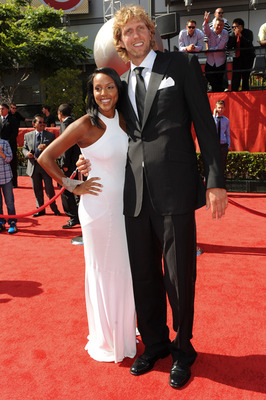 2011-espy-awards-dirk-nowitzki-jessica-olsson-2_display_image