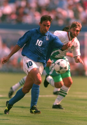 13 Jul 1994: ROBERTO BAGGIO ON HIS WAY TO SCORING THE SECOND HIS OF HIS GOALS AGAINST BULGARIA DURING THEIR 1994 WORLD CUP MATCH SEMI-FINAL MATCH AT GIANTS STADIUM IN EAST RUTHERFORD, NEW JERSEY.
