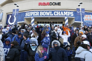 INDIANAPOLIS - FEBRUARY 5:  Despite freezing temperatures, fans wait in line to attend the victory rally after the Colts beat the Chicago Bears in Super Bowl XLI Sunday in Miami outside of the RCA Dome February 5, 2006 in Indianapolis, Indiana.  (Photo by