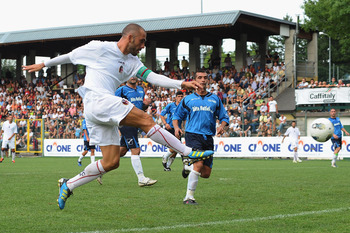 MODENA, ITALY - AUGUST 06:Marco Di Vaio (L) of Bologna FC in action during the pre season friendly match between FC Bologna and Faro on August 6, 2011 in Sestola near Modena, Italy.  (Photo by Mario Carlini / Iguana Press/Getty Images)