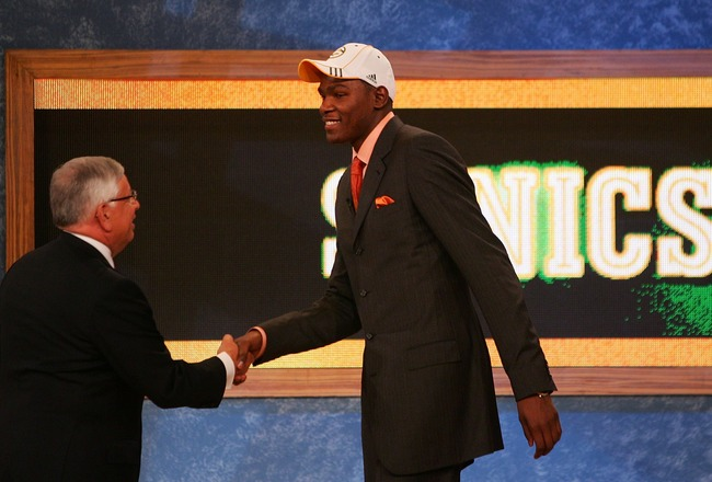 NEW YORK - JUNE 28:  NBA Commissioner David Stern (R) shakes hands with Kevin Durant of Texas after he was drafted two by the Seattle Supersonics during the 2007 NBA Draft at the WaMu Theatre at Madison Square Garden June 28, 2007 in New York City. NOTE T