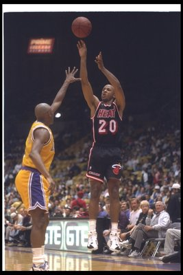 21 Mar 1994:  Guard Brian Shaw of the Miami Heat shoots the ball during a game against the Los Angeles Lakers at the Great Western Forum in Inglewood, California. Mandatory Credit: Stephen Dunn  /Allsport