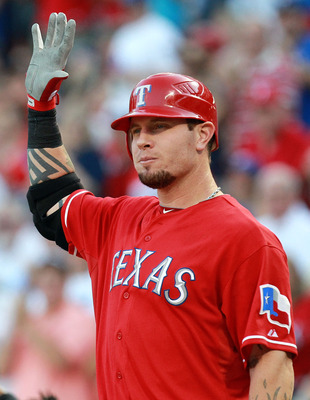 ARLINGTON, TX - AUGUST 09:  Josh Hamilton #32 of the Texas Rangers at Rangers Ballpark in Arlington on August 9, 2011 in Arlington, Texas.  (Photo by Ronald Martinez/Getty Images)
