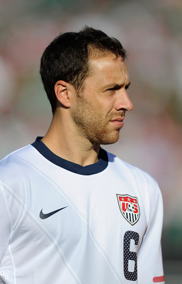 PASADENA, CA - JUNE 25:  Steve Cherundolo #6 of United States during the 2011 CONCACAF Gold Cup Championship against Mexico at the Rose Bowl on June 25, 2011 in Pasadena, California.  (Photo by Kevork Djansezian/Getty Images)