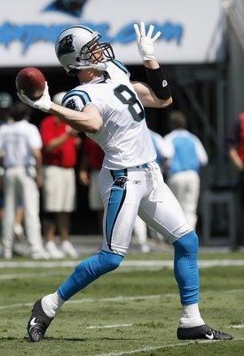 CHARLOTTE, NC - SEPTEMBER 16: David Carr #8 of the Carolina Panthers passes the ball during the game against the Houston Texans at Bank of America Stadium on September 16, 2007 in Charlotte, North Carolina. (Photo by Kevin C. Cox/Getty Images)
