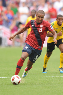 WASHINGTON, DC - JUNE 19:  Juan Agudelo #9 of the United States dribles the ball against Jamaica during the 2011 Gold Cup Quarterfinals on June 19, 2011 at RFK Stadium in Washington, D.C.  The United States won 2-0.  (Photo by Mitchell Layton/Getty Images