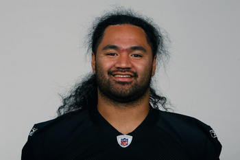 In a bit of a surprise move, but probably a prudent one, the Raiders re-signed center Samson Satele
