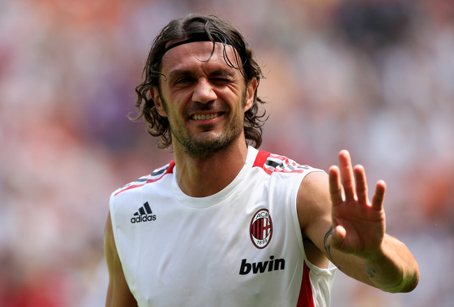 MILAN, ITALY - MAY 24:  AC Milan defender Paolo Maldini warms up prior AC Milan v AS Roma on May 24, 2009 in Milan, Italy.  (Photo by Vittorio Zunino Celotto/Getty Images)