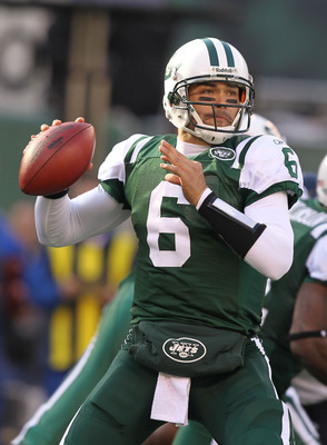 EAST RUTHERFORD, NJ - NOVEMBER 21:  Mark Sanchez #6 of the New York Jets in action against the Houston Texans during their  game on November21, 2010 at the New Meadowlands Stadium  in East Rutherford, New Jersey.  (Photo by Al Bello/Getty Images)