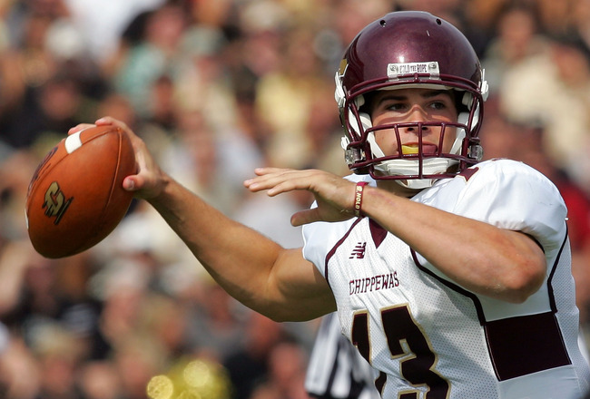 WEST LAFAYETTE, IN - SEPTEMBER 20:  Quarterback Dan LeFevour #13 of the Central Michigan Chippewas drops back to pass against the Purdue Boilermakers at Ross-Ade Stadium on September 20, 2008 in West Lafayette, Indiana.  (Photo by Ronald Martinez/Getty Im