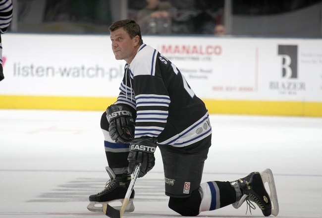 TORONTO, ON - NOVEMBER 08:  Peter Stastny #26 skates at the Hockey Hall of Fame Legends Game at the Air Canada Centre on November 8, 2009 in Toronto, Canada.  (Photo by Bruce Bennett/Getty Images)