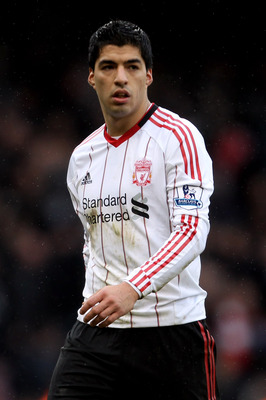 LONDON, ENGLAND - FEBRUARY 27:  Luis Suarez of Liverpool leaves the pitch after the Barclays Premier League match between West Ham United and Liverpool at the Boleyn Ground on February 27, 2011 in London, England.  (Photo by Scott Heavey/Getty Images)