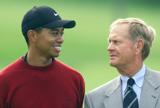 3 Jun 2001:  Tiger Woods and Jack Nicklaus share a chat during the award presentation at the Memorial Tournament at Muirfield Village Golf Club in Dublin, Ohio.  DIGITAL IMAGE Mandatory Credit: Andy Lyons/ALLSPORT