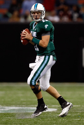 NEW ORLEANS - SEPTEMBER 11:  Ryan Griffin #11 of the Tulane Green Wave passes the ball against the Ole Miss Rebels at the Louisiana Superdome on September 11, 2010 in New Orleans, Louisiana.  (Photo by Chris Graythen/Getty Images)