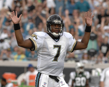 Jacksonville Jaguars quarterback Byron Leftwich signals a score against the New York Jets on October 8, 2006 in Jacksonville, Florida. The Jaguars defeated the New York Jets 41 - 0.  (Photo by Al Messerschmidt/Getty Images)