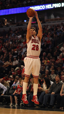 CHICAGO, IL - APRIL 13: Kyle Korver #26 of the Chicago Bulls puts up a shot against the New Jersey Nets at the United Center on April 13, 2011 in Chicago, Illinois. The Bulls defeated the Nets 97-92. NOTE TO USER: User expressly acknowledges and agrees th