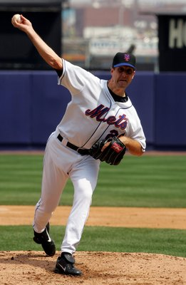 NEW YORK - APRIL 15:  Steve Trachsel  of the New York Mets delivers a pitch against the Milwaukee Brewers on April 15, 2006 at Shea Stadium in the Flushing neighborhood of the Queens borough of New York City. (Photo by Jim McIsaac/Getty Images)