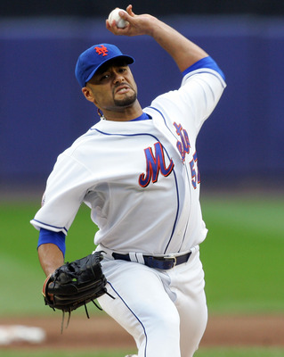 NEW YORK - SEPTEMBER 27:  Johan Santana #57 of the New York Mets pitches against the Florida Marlins on September 27, 2008 at Shea Stadium in the Flushing neighborhood of the Queens borough of New York City.  (Photo by Jim McIsaac/Getty Images)