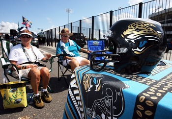 JACKSONVILLE, FL - SEPTEMBER 9:  Fans tailgate in the parking lot before the Jacksonville Jaguars take on the Tennessee Titans at Alltel Stadium on September 9, 2007 in Jacksonville, Florida.  (Photo by Doug Benc/Getty Images)