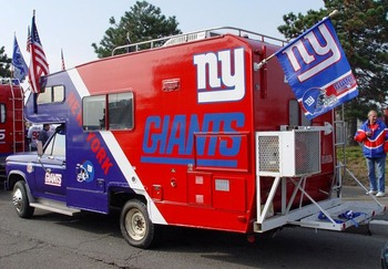 New-york-giants-tailgating-truck_display_image