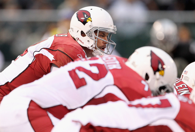 OAKLAND, CA - AUGUST 11:  Kevin Kolb #4 of the Arizona Cardinals lines up his team against the Oakland Raiders at O.co Coliseum on August 11, 2011 in Oakland, California.  (Photo by Ezra Shaw/Getty Images)