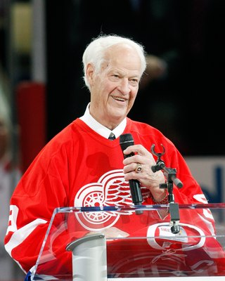 MONTREAL- DECEMBER 4:  Gordie Howe speaks to fans during the Centennial Celebration ceremonies prior to the NHL game between the Montreal Canadiens and Boston Bruins on December 4, 2009 at the Bell Centre in Montreal, Quebec, Canada.  The Canadiens defeat