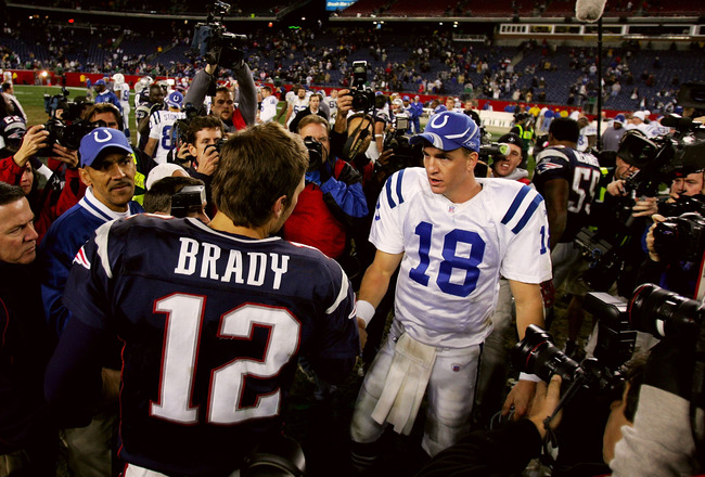FOXBORO, MA - NOVEMBER 07:  Peyton Manning #18 of the Indianapolis Colts shakes hands with Tom Brady #12 of the New England Patriots after the Colts defeated the Patriots 40-21 at Gillette Stadium on November 7, 2005 in Foxboro, Massachusetts.  (Photo by