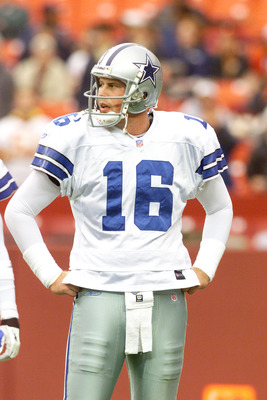 2 Dec 2001:  Quarterback Ryan Leaf #16 of the Dallas Cowboys warms up before the game against the Washington Redskins at Fed-Ex Field in Landover, Maryland.  The Cowboys defeated the Redskins with a final score of 20-14. Digital Image. Mandatory Credit: J