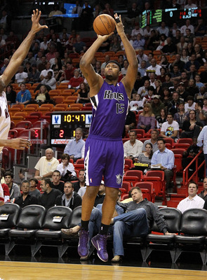 MIAMI, FL - FEBRUARY 22:  DeMarcus Cousins #15 of the Sacramento Kings shoots a jump shot  during a game against  the Miami Heat at American Airlines Arena on February 22, 2011 in Miami, Florida. NOTE TO USER: User expressly acknowledges and agrees that,