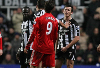 Joey-barton-fernando-torres-suck-it-570x387_display_image