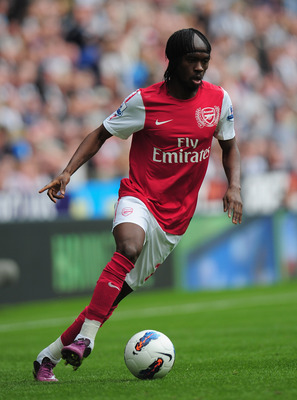 NEWCASTLE UPON TYNE, ENGLAND - AUGUST 13:  Gervinho of Arsenal in action during the Barclays Premier League match between Newcastle United and Arsenal at St James' Park on August 13, 2011 in Newcastle upon Tyne, England.  (Photo by Shaun Botterill/Getty I