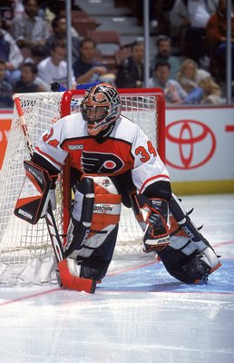 3 Nov 1999: John Vanbiesbrouck #34 of the Philadelphia Flyers guards the goal box during the game against the Anaheim Mighty Ducks at The Arrowhead Pond in Anaheim, California. The Flyers and the Ducks tied 3-3.