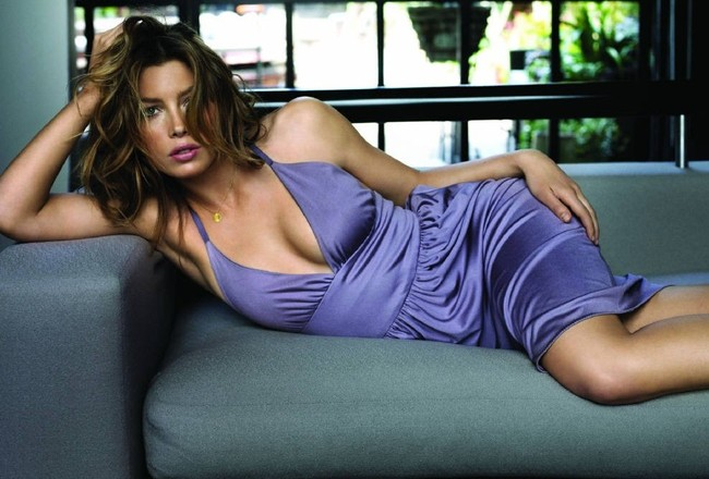 Jessicabiel-wallpaper3_crop_650x440